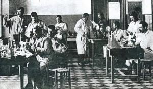 Švajcarski lekar (levo) u Srbiji 1915. godine